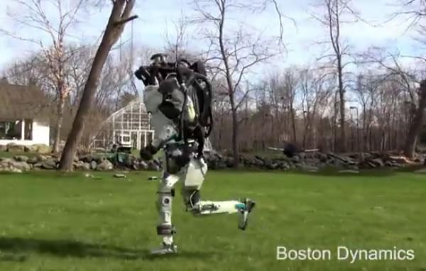Il robot Atlas corre e salta come un uomo